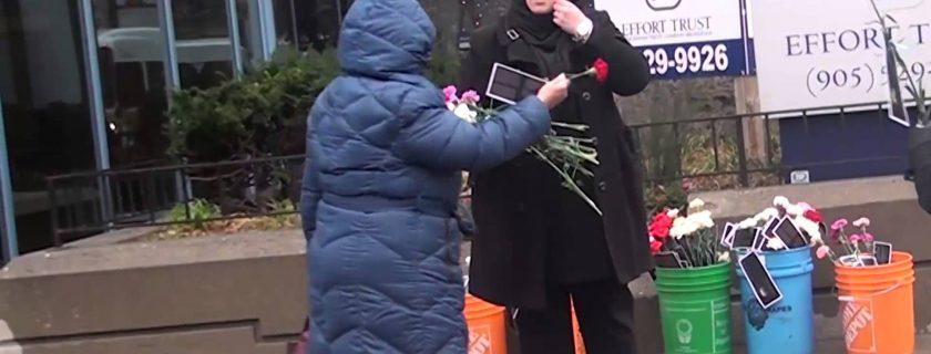 """حملة التعريف بالامام الحسين """"ع"""" في مدينة هاملتون كندا لعام ٢٠١٥"""